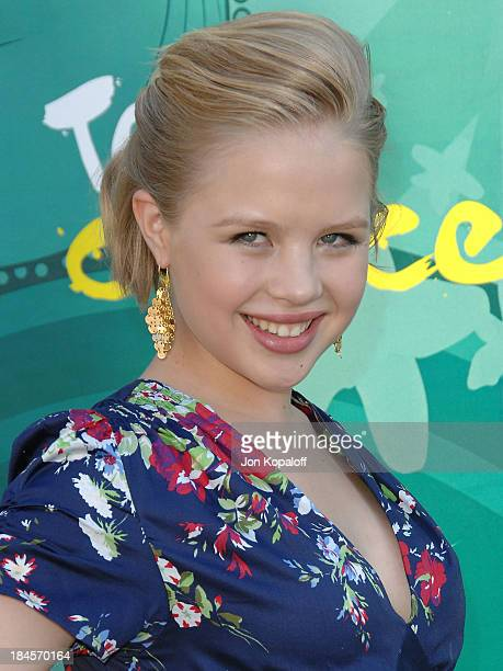 Actress Sofia Vassilieva arrives at the Teen Choice Awards 2009 held at the Gibson Amphitheatre on August 9 2009 in Universal City California