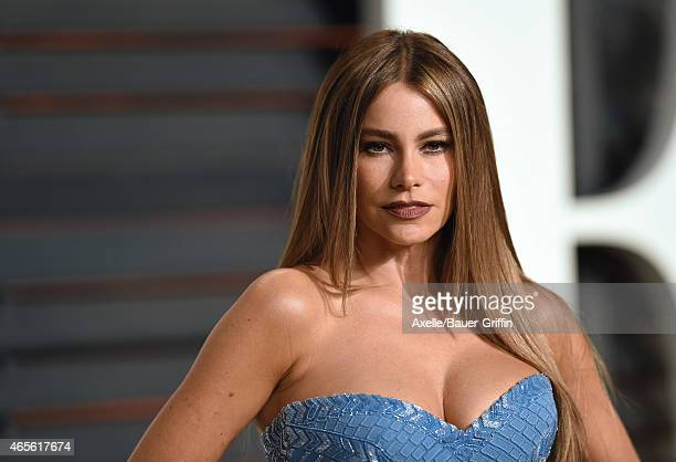 Actress Sofia Vergara arrives at the 2015 Vanity Fair Oscar Party Hosted By Graydon Carter at Wallis Annenberg Center for the Performing Arts on...