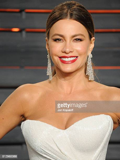 Actress Sofia Vergara attends the 2016 Vanity Fair Oscar Party hosted By Graydon Carter at Wallis Annenberg Center for the Performing Arts on...