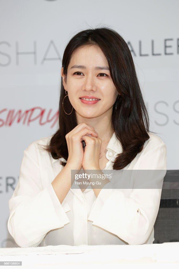 Kết quả hình ảnh cho Son Ye Jin 2018
