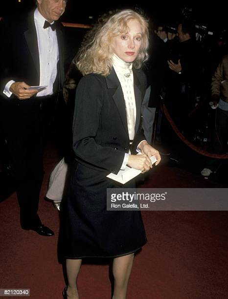 Actress Sondra Locke attends the 'Scrooged' Hollywood Premiere on November 17 1988 at Mann's Chinese Theatre in Hollywood California