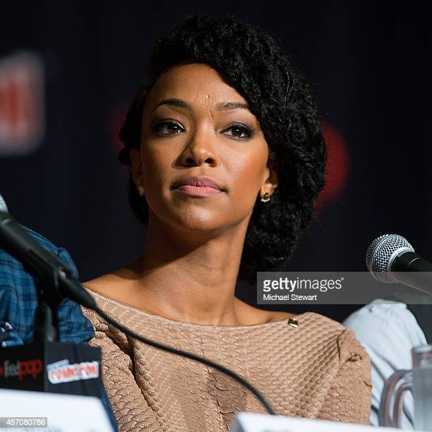 Actress Sonequa Martin-Green attends AMC's 'The Walking Dead' panel at 2014 New York Comic Con Day 3 at Jacob Javitz Center on October 11, 2014 in...