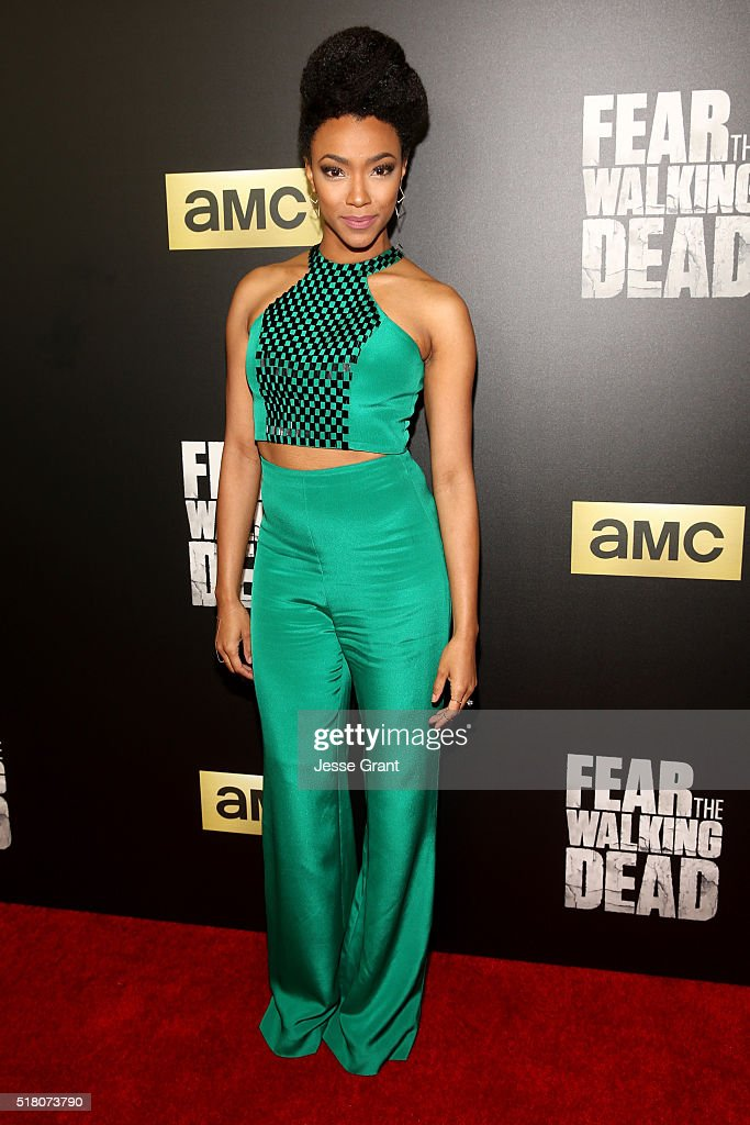 Actress Sonequa Martin-Green attends the season 2 premiere of 'Fear the Walking Dead' at Cinemark Playa Vista on March 29, 2016 in Los Angeles, California.
