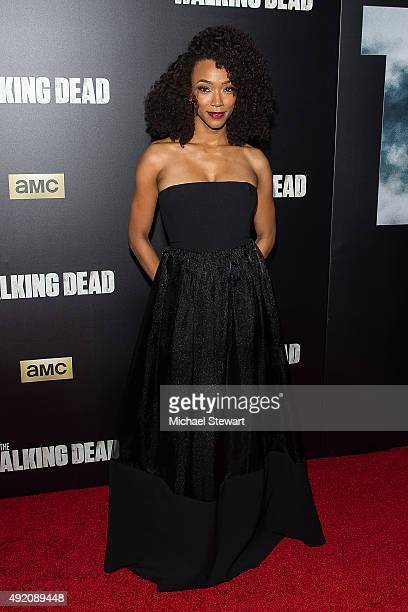 """Actress Sonequa Martin-Green attends """"The Walking Dead"""" season six premiere at Madison Square Garden on October 9, 2015 in New York City."""