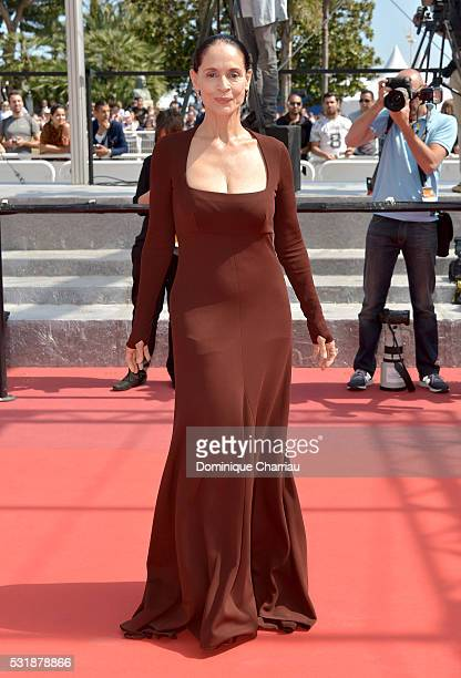 Actress Sonia Braga attends the 'Aquarius' premiere during the 69th annual Cannes Film Festival at the Palais des Festivals on May 17 2016 in Cannes...