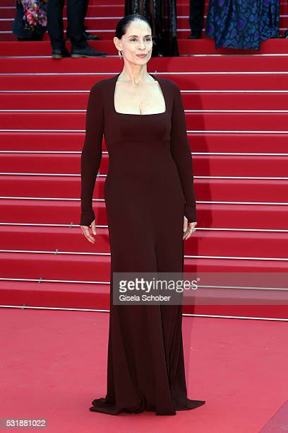 Actress Sonia Braga attends the Aquarius premiere during the 69th annual Cannes Film Festival at the Palais des Festivals on May 17 2016 in Cannes...