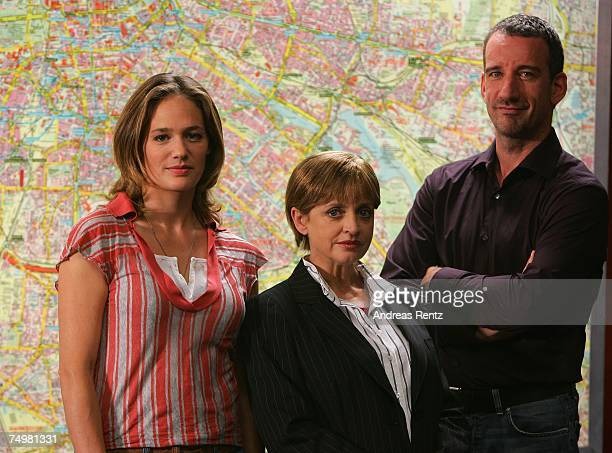 """Actress Sonsee Neu, actress Katharina Thalbach and actor Heio von Stetten pose during the photo call """"Deadline"""" on July 2, 2007 in Berlin, Germany."""