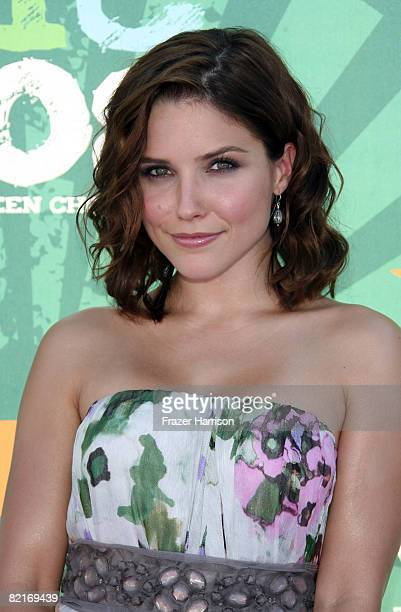 Actress Sophia Bush arrives at the 2008 Teen Choice Awards at Gibson Amphitheater on August 3 2008 in Los Angeles California