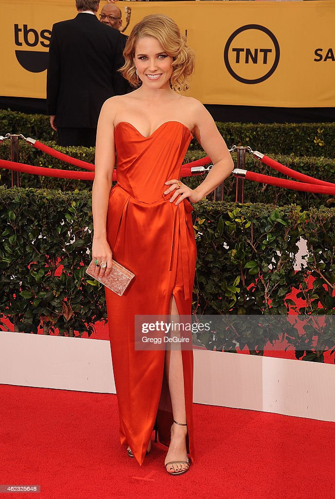 Actress Sophia Bush arrives at the 21st Annual Screen Actors Guild Awards at The Shrine Auditorium on January 25, 2015 in Los Angeles, California.