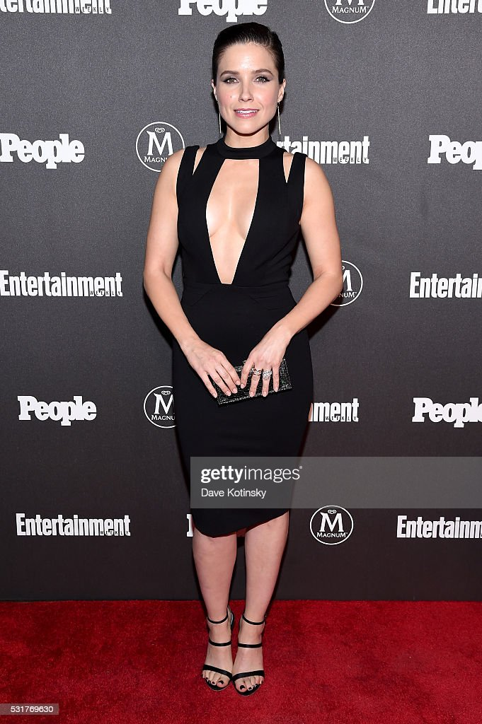 Entertainment Weekly & People Upfronts Party 2016 - Arrivals : News Photo
