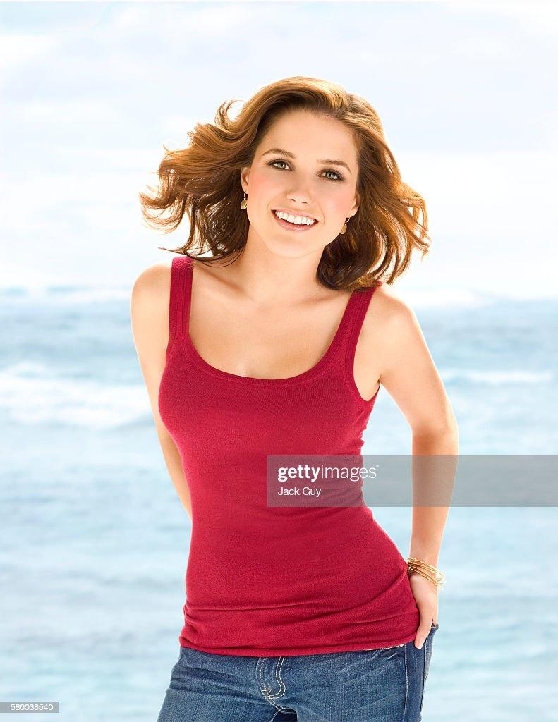 Sophia Bush, Health Magazine, October 1, 2008 : Photo d'actualité