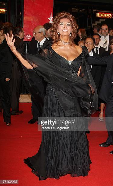 Actress Sophia Loren attends the opening ceremony concert held at Teatro Sistina on day 1 of the 2nd Rome Film Festival on October 18 2007 in Rome...
