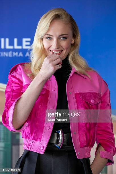 """Actress Sophie Turner attends the """"Heavy"""" photocall during the 45th Deauville American Film Festival on September 07, 2019 in Deauville, France."""