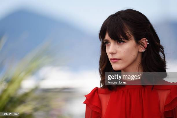 Actress Stacy Martin attends the 'Redoubtable ' photocall during the 70th annual Cannes Film Festival at Palais des Festivals on May 21 2017 in...