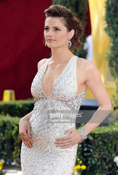 Actress Stana Katic arrives at the 82nd Annual Academy Awards held at Kodak Theatre on March 7, 2010 in Hollywood, California.