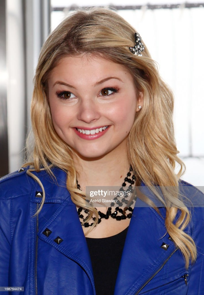 Actress Stefanie Scott visits The Empire State Building on December 27, 2012 in New York City.