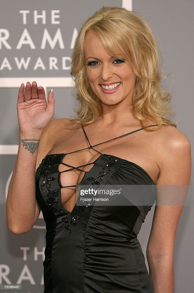 49th Annual Grammy Awards - Arrivals : News Photo