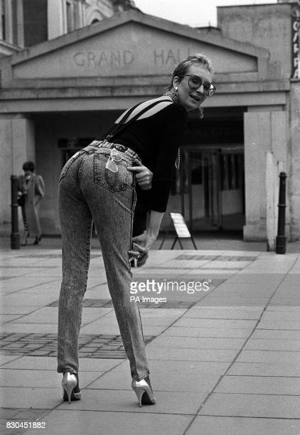 Actress Su Pollard shows off her cheeky side after winning the 1988 Rear of the Year award organised by the International Men's and Boys' Wear...
