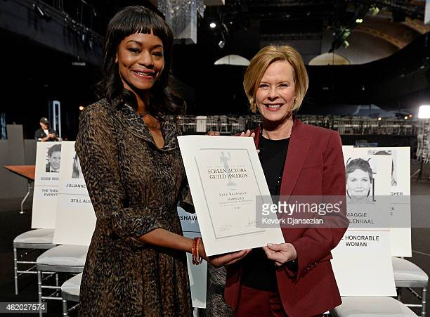 Actress Sufe Bradshaw and SAG Foundation Board President JoBeth Williams pose for photographers during 21st Annual SAG Awards Behind The Scenes At...