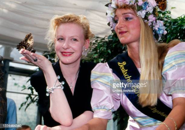 Actress Sunnyi Melles sister in law of Alexander Prince of Sayn Wittgenstein Sayn with the queen of butterflies at Bendorf Germany 1996