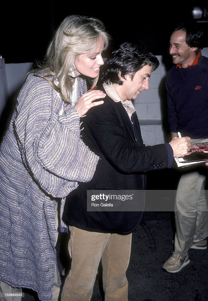 Susan Anton and Dudley Moore dine at Spago : News Photo
