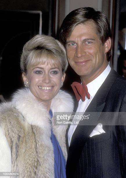 Actress Susan George and actor Simon MacCorkindale attend the 38th Annual Directors Guild of America Awards on March 8 1986 at Beverly Hilton Hotel...