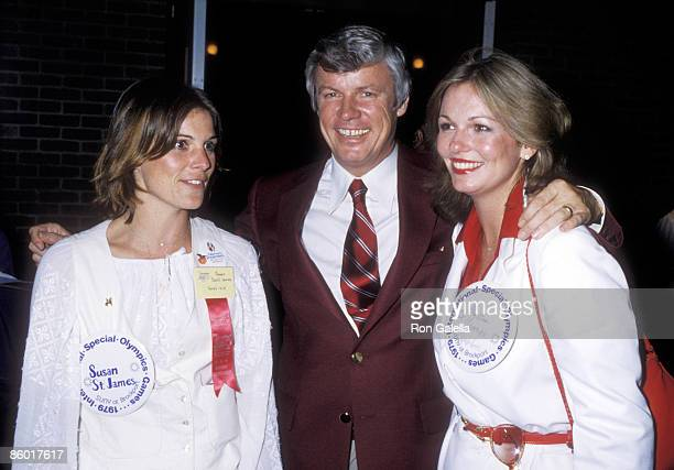 Actress Susan Saint James Governor John Y Brown Jr and TV personality Phyllis George attends the 1979 International Special Olympics Summer Games on...