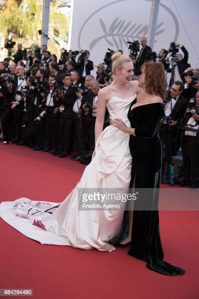 US actress Susan Sarandon and US actress Elle Fanning arrive for the screening of the film 'Les Fantomes dÕIsmael' out of competition and the Opening...