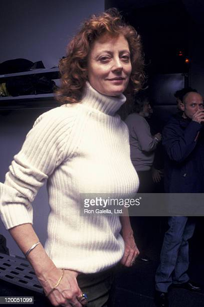 Actress Susan Sarandon attends American Museum of the Moving Image Gala Honoring Julia Roberts on March 4 2001 at the Waldorf Astoria Hotel in New...