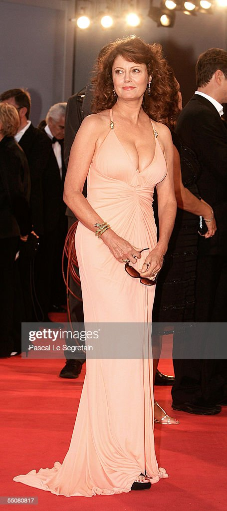 Actress Susan Sarandon attends the premiere for the in competition film 'Romance And Cigarettes' at the Palazzo del Cinema on the seventh day of the 62nd Venice Film Festival on September 6, 2005 in Venice, Italy.