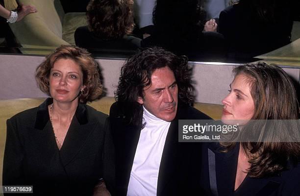 Actress Susan Sarandon fashion designer Richard Tyler and actress Julia Roberts attend Richard Tyler's Fall Collection Fashion Show on April 15 1992...