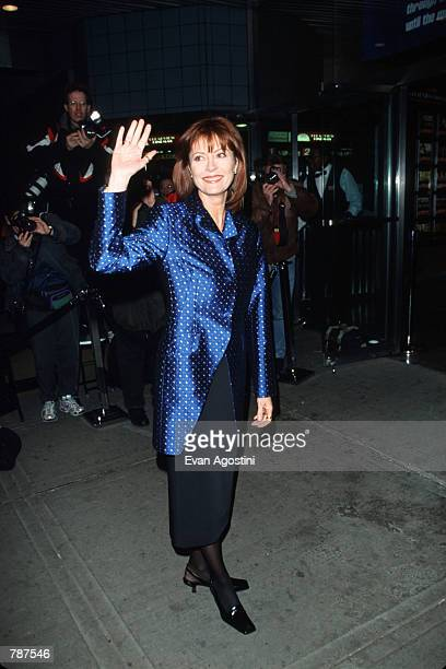 Actress Susan Sarandon poses for a picture outside the premiere of ''Earthly Possessions'' March 16 1999 in New York City Sarandon stars in the film...