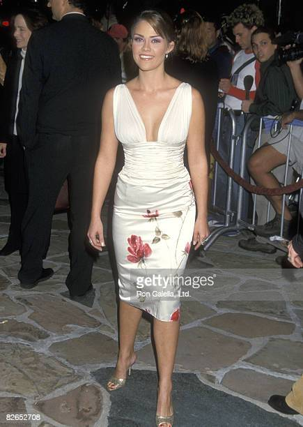 """Actress Susan Ward attends the """"Shallow Hal"""" Westwood Premiere on November 1, 2001 at Mann Village Theatre in Westwood, California."""