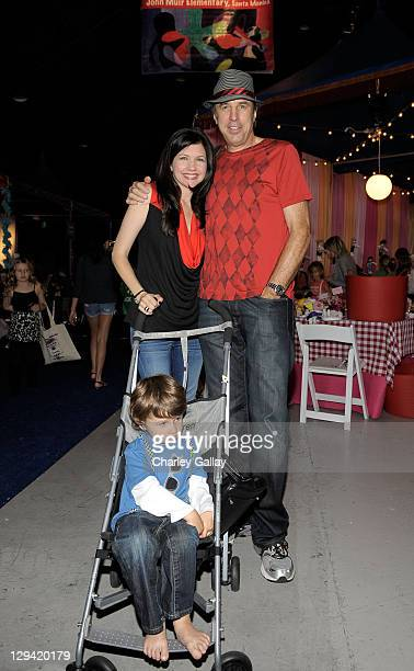 Actress Susan Yeagley actor Kevin Nealon and son Gable Ness Nealon attend the PS ARTS 14th annual Express Yourself at Barker Hangar on November 7...