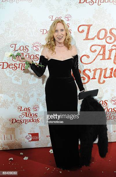 Actress Susana Estrada attends the 'Los Aos Desnudos' premiere at the Capitol Cinema on October 23 2008 in Madrid Spain