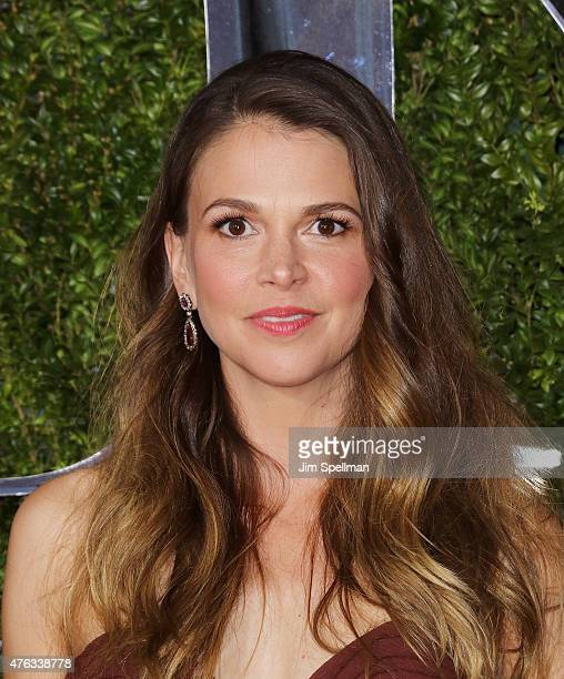Actress Sutton Foster attends American Theatre Wing's 69th Annual Tony Awards at Radio City Music Hall on June 7 2015 in New York City