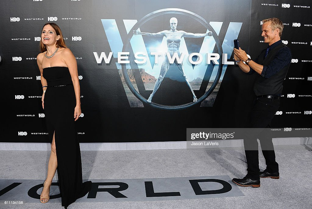 "Premiere Of HBO's ""Westworld"" - Arrivals : News Photo"