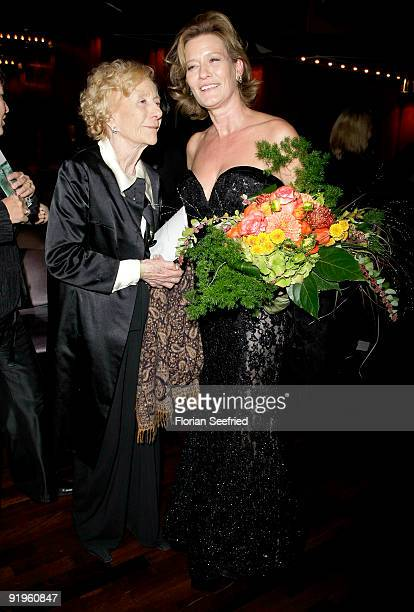 Actress Suzanne von Borsody and mother Rosemarie Fendel attend the 'Hesse Movie Award 2009' at the Alte Oper on October 16 2009 in Frankfurt am Main...