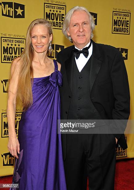 Actress Suzy Amis and director James Cameron arrives at the 15th annual Critics' Choice Movie Awards held at the Hollywood Palladium on January 15,...