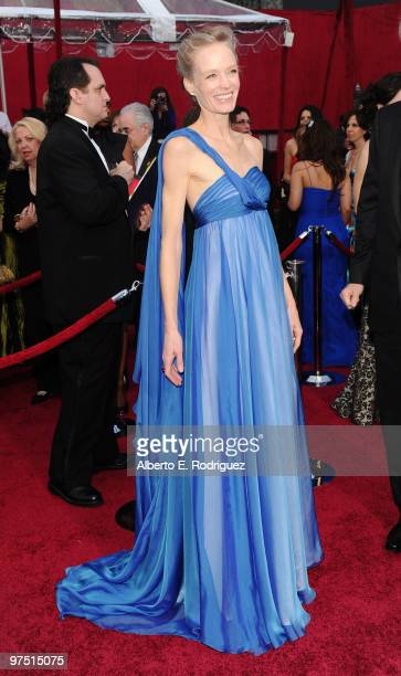 Actress Suzy Amis arrives at the 82nd Annual Academy Awards held at Kodak Theatre on March 7 2010 in Hollywood California