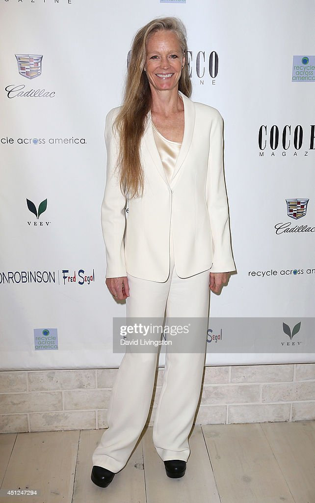Actress Suzy Amis attends Coco Eco Magazine's launch of it's Earth Rocks! debut print issue at Roy Robinson at Fred Segal on June 25, 2014 in Los Angeles, California.