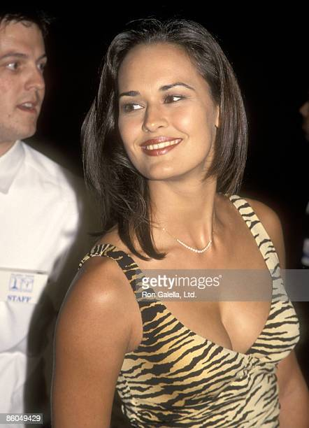 Actress Sydney Penny attends the I Know What You Did Last Summer Hollywood Premiere on October 8 1997 at GCC Galaxy Theatre in Hollywood California