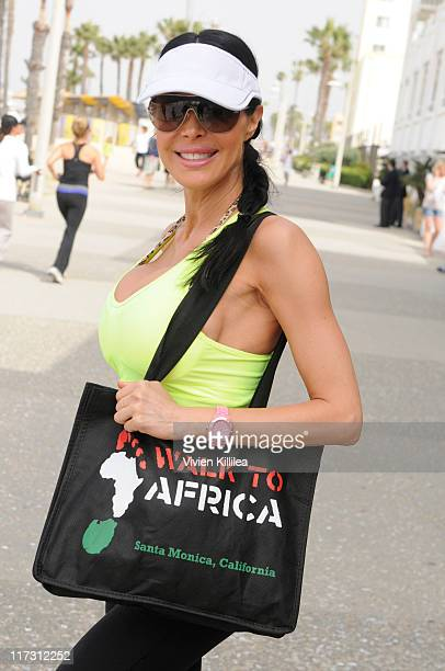 Tabitha taylor pictures and photos getty images actress tabitha taylor attends the 3rd annual walkathon for medical missions to africa at crescent bay thecheapjerseys Images