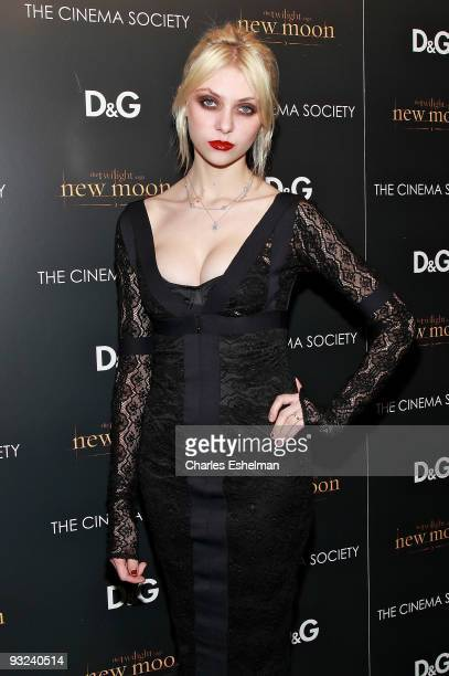 Actress Taylor Momsen attends the Cinema Society screening of The Twilight Saga New Moon at Landmark's Sunshine Cinema on November 19 2009 in New...