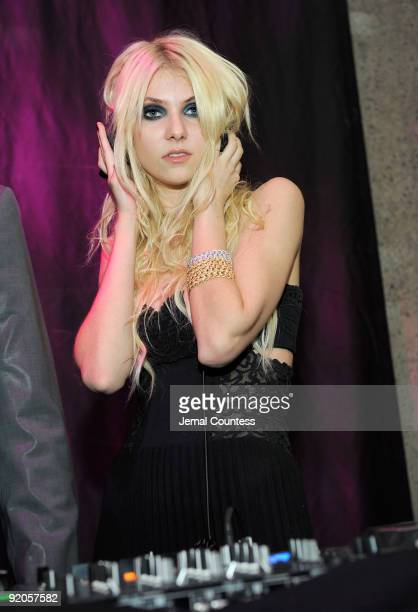 Actress Taylor Momsen DJ's at the 2009 Whitney Museum Gala Studio Party at The Whitney Museum of American Art on October 19 2009 in New York City