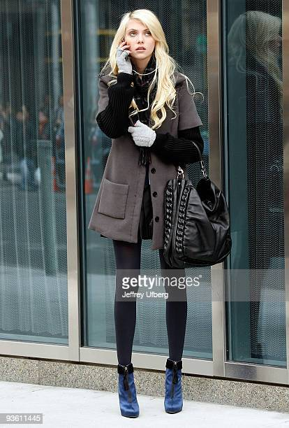Actress Taylor Momsen filming on location for 'Gossip Girl' on the streets of Manhattan on December 2 2009 in New York City