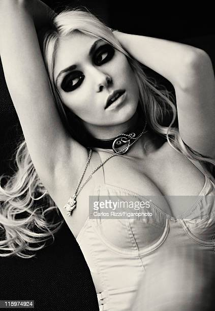Actress Taylor Momsen is photographed for Madame Figaro on December 6 2011 in Paris France Figaro ID 099422008 Corset by By Zoe jewerly personal...