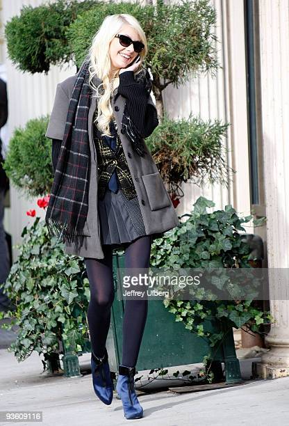 Actress Taylor Momsen seen filming on location for 'Gossip Girl' on the streets of Manhattan on December 2 2009 in New York City