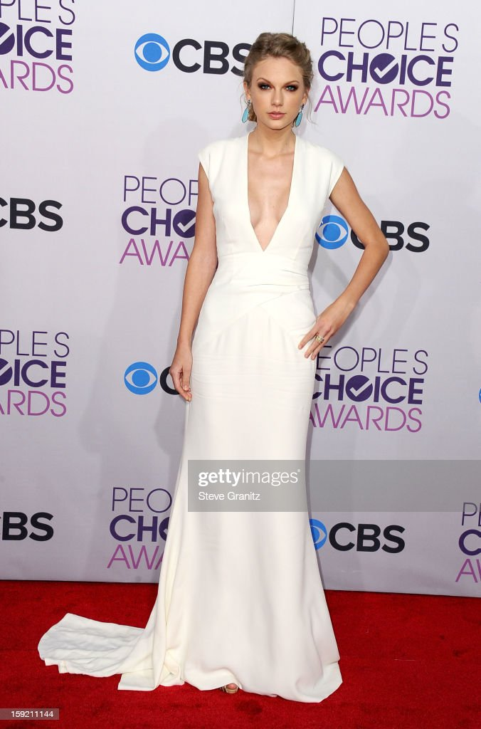 Actress Taylor Swift attends the 2013 People's Choice Awards at Nokia Theatre L.A. Live on January 9, 2013 in Los Angeles, California.