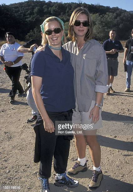 Actress Tea Leoni and actress Brooke Shields attend the Fourth Annual Expedition Inspiration Take-A-Hike and Cross-Country-Fun-Run for Breast Cancer...